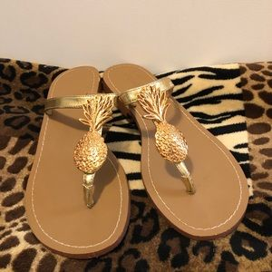 Lilly Pulitzer Gold Pineapple Sandals Size 8